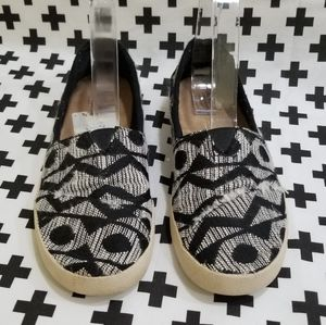 Black & white Tom's loafer sneakers